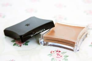 illamasqua-hollow-cream-pigment-review