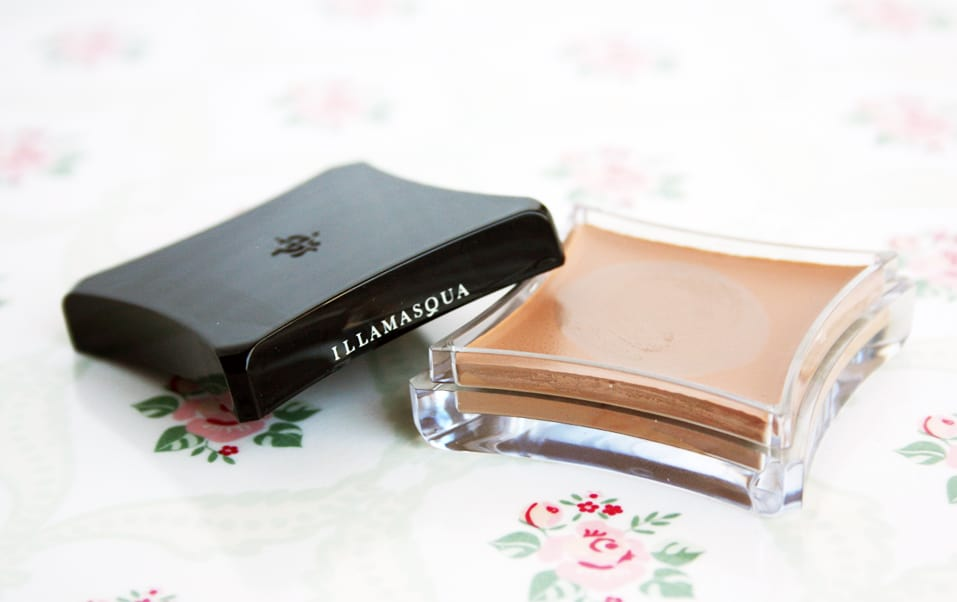 illamasqua hollow cream pigment review