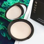 Natural Glow Alert: Becca Shimmering Skin Perfector in Moonstone